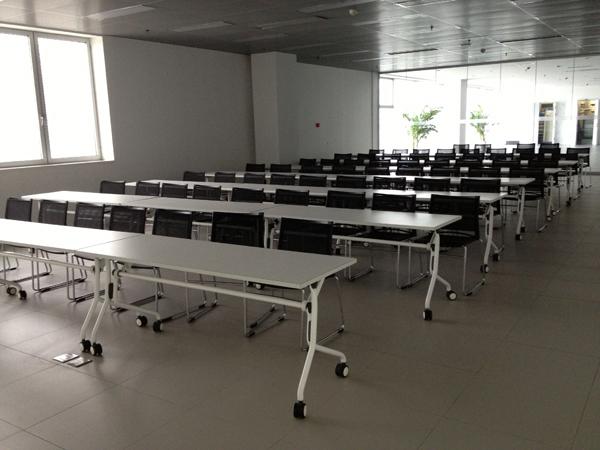 奥迪汽车4S旗舰店培训室