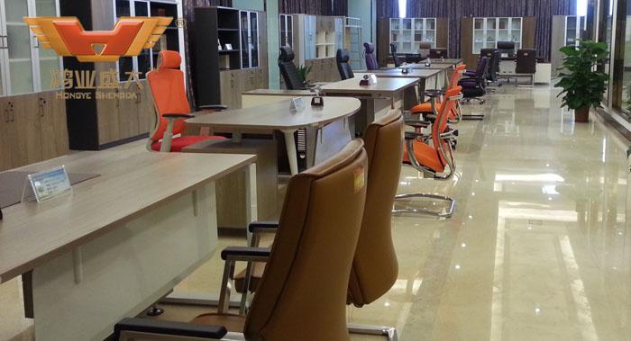 现代板式亚博足彩app苹果版桌展厅